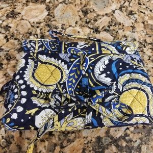 Vera Bradley makeup/ jewelry case